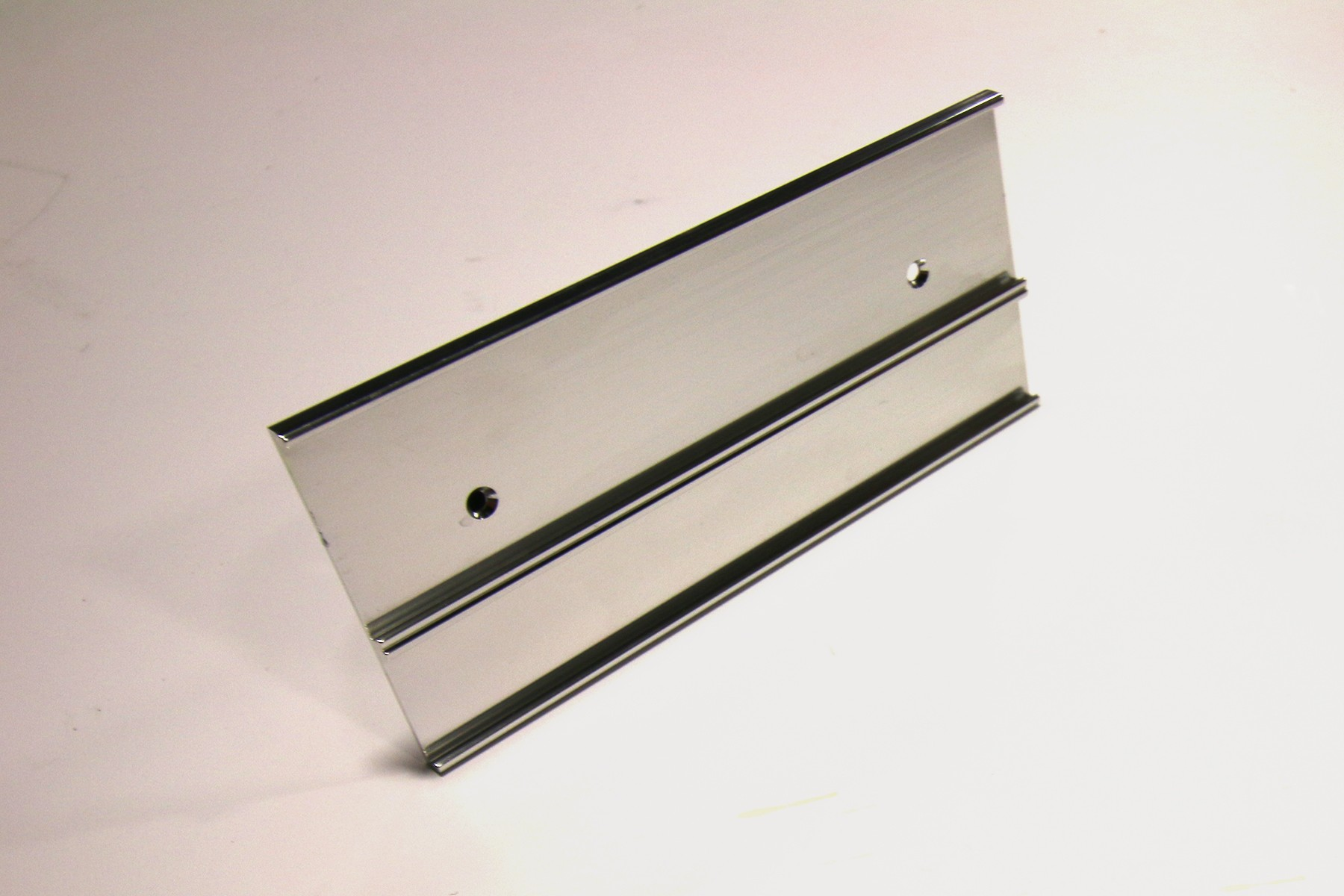 "1 1/2"" & 1"" x 1/16"" x 6"" Multi-Wall Holder, Bright Silver"