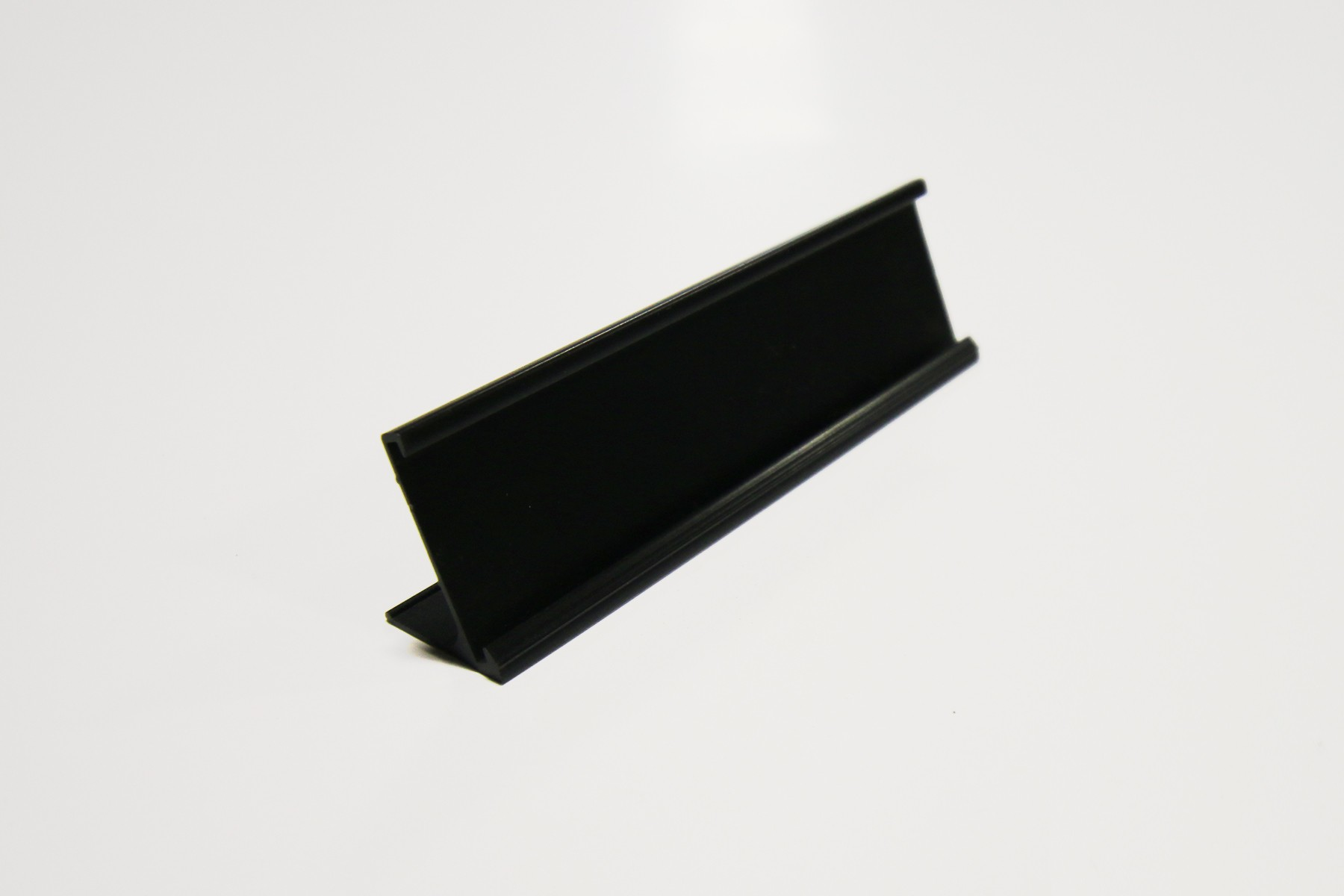 "1"" x 1/16"" x 8"" Desk Holder, Black"