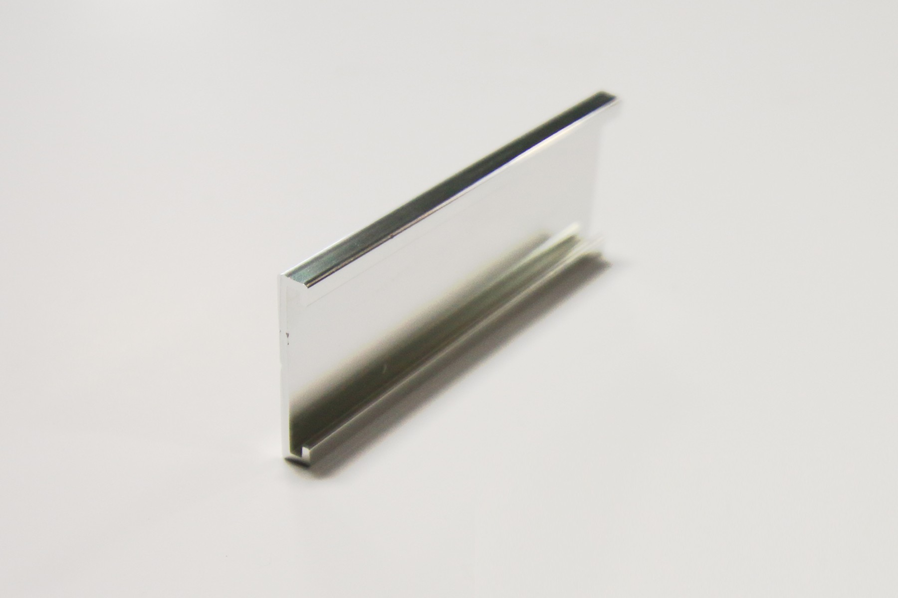 "1"" x 1/16"" x 36"" Wall Holder, Bright Silver"