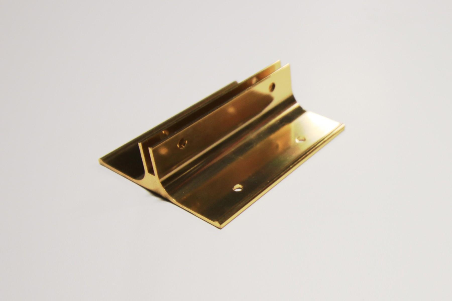 "2 1/2"" x 1/8"" x 3"" Corridor Bracket, Gold"