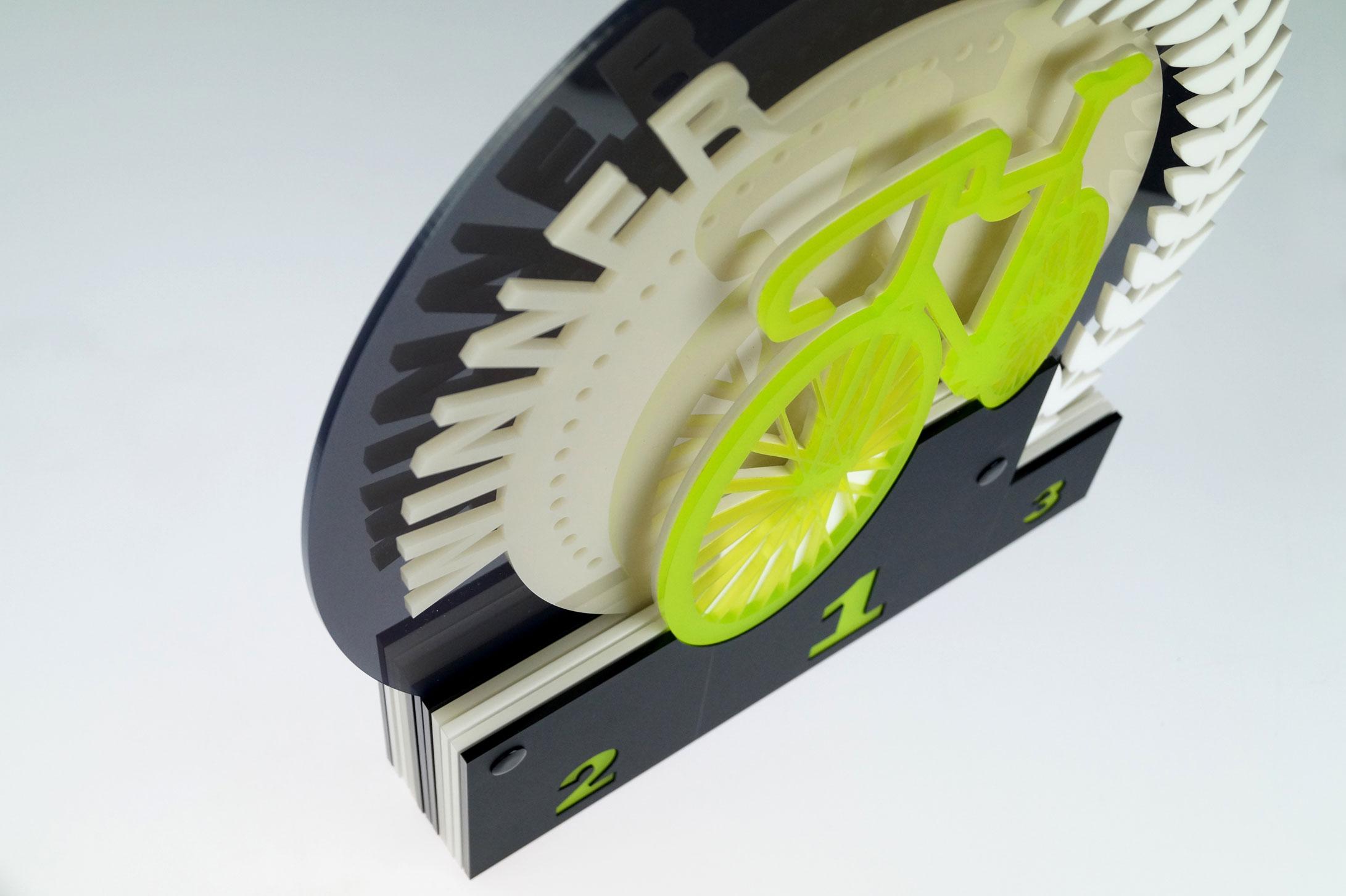 Trophäe aus Acrylglas - gemacht aus Acryl und einem Lasergerät