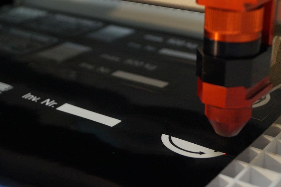 Lasergravur von unten nach oben